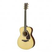 Yamaha LS6M ARE - zmenšená elektroakustická kytara