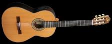 Admira Virtuoso E - klasická kytara se snímačem